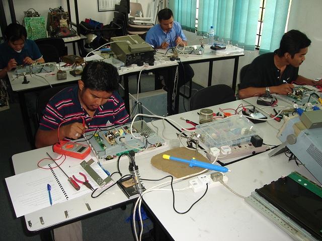 lcd monitor repair class