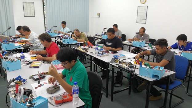basic electronics repair course